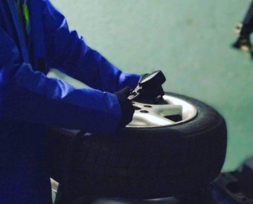 шиномонтаж балансировка колес курсы